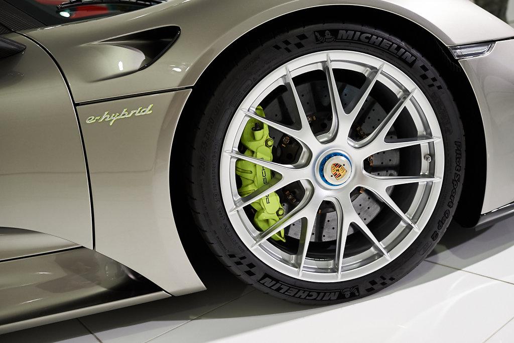 Lignes-Porsche-07.jpg